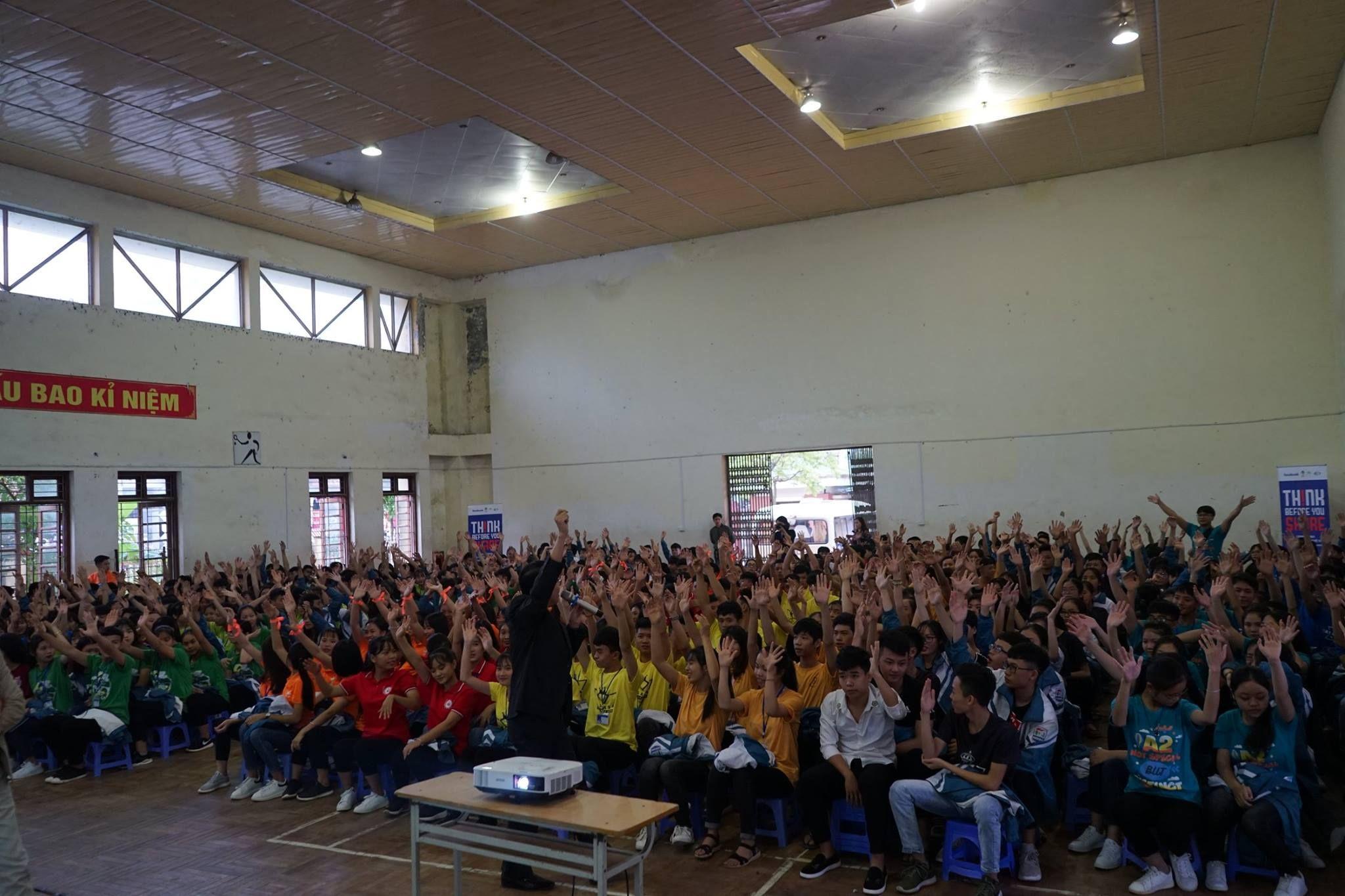 Buổi ngoại khóa thật bổ ích của học sinh trường THPT Ngô Quyền - Ba Vì